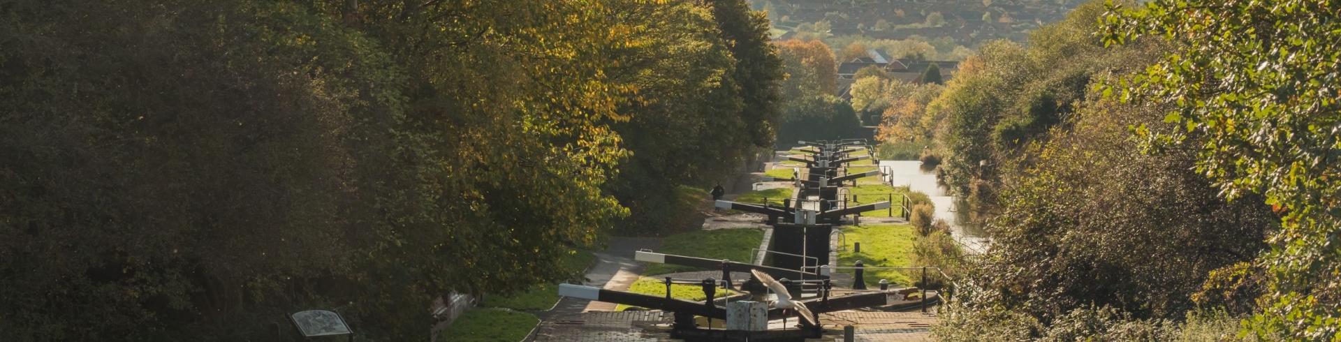 Das Herz Englands vom Kanalboot aus erleben