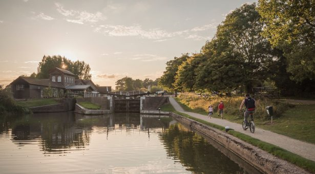 On Towpaths through the Heart of England